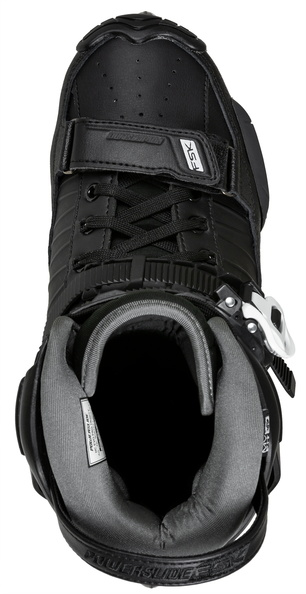 The black HC EVO Pro, the urban inline skate of Powerslide with three wheels of 90 mm, seen from above