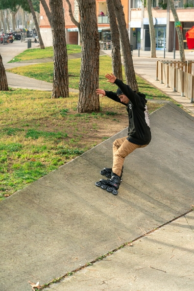 Powerslide Next Core Black 80 inline skate in action